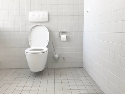 How to Remove Urine Stains from a Toilet Seat